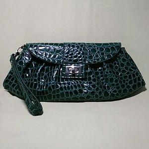 Handbags - NY & Co Clutch Wristlet Snakeskin Green👜👜